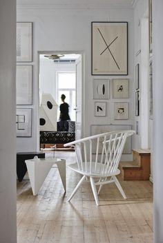 Crinolette chair.