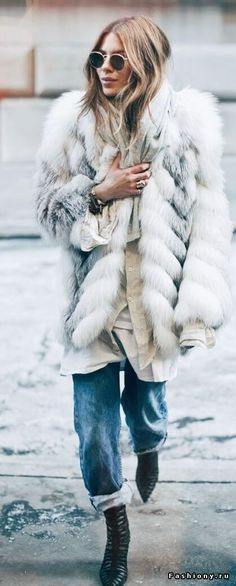 How to style a fur coat in the winter