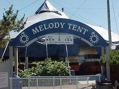 Gifts loves The famous Tent arch by Cape Cod Melody Tent Cape Cod Melody Tent, Cape Cod Vacation, Cape Cod Ma, Ocean Sounds, New England Homes, Nantucket, Summer Time, Islands, Places