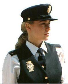Como fazer uma fantasia de policial - 8 passos - umComo