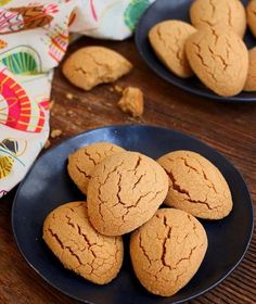 Image may contain: food Candy Cookies, Recipe Mix, Turkish Recipes, Desert Recipes, No Bake Desserts, Cookie Recipes, Food And Drink, Favorite Recipes, Sweets