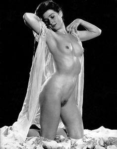 Margaret nolan vera novak vintage naturist clip - 1 part 8