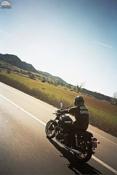 Triumph Travels http://goodhal.blogspot.com/2013/03/man-and-machine-007.html #BroughSuperior #ManAndMachine #Triumph
