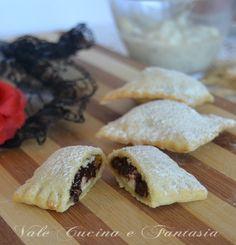 Ravioli dolci di carnevale con  ricotta e cioccolato