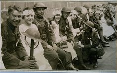 World war 1 soldiers with nurses from the red cross and red crescent | by Kingkongphoto & www.celebrity-photos.com
