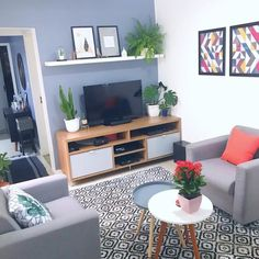 Rack para sala pequena: 65 ideias para decorar o ambiente com conforto Tiny Living Rooms, Interior Design Living Room, Home And Living, Small Room Decor, Living Room Decor, Bedroom Decor, Passion Deco, D House, Home Decor Inspiration