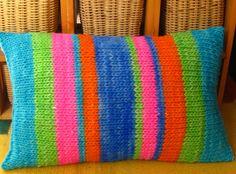 Rústicos... rayas en azulino, fucsia. naranja, verde y turquesa hilado lana 100% dimensiones 30 x 50 cms