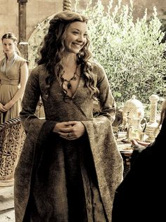 Natalie Dormer as Margaery Tyrell in Season 5 of Game of Thrones Game Of Thrones Dress, Game Of Thrones Costumes, Game Of Thrones Art, Margaery Tyrell, Got Costumes, Movie Costumes, Natalie Dormer, Jon Snow, Growing Strong