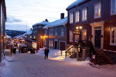 Winter im Kjerkgata, Røros, Trøndelag, Photo: Johnny Mazzilli