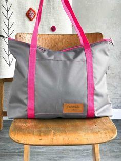 Farbenmix Taschenspieler 4 RuckzuckTasche - ein schnelles und für Anfänger geeignetes Nähprojekt. Taschen nähen ganz leicht Textiles, Diaper Bag, Gym Bag, Crafty, Bags, Shopping, Dracula, Outfit, Fashion