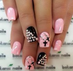 Pink and black nails too cute!!