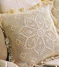 Patrón para tejer funda de almohadón al crochet, con precioso diseño, volados en las costuras.