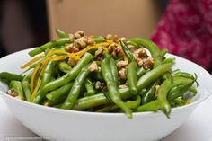 Dragon's Kitchen: Green Beans with Walnuts and Orange