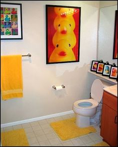 rubber ducky bathroom decorating ideas-colorful rubber duck decorating