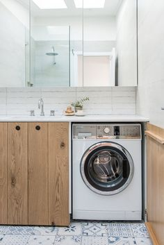 Washing machine in a cupboard. Photo Rose Jane / Interior design Kyal and Kara Demmrich Laundry Bathroom Combo, Laundry Nook, Basement Laundry, Master Bathroom, Kyal And Kara, Laundry Room Inspiration, Living Room Decor Cozy, Bathroom Pictures, Bathroom Ideas