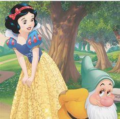 Snow White and Bashful Bambi, Snow White Pictures, Cinderella, Disney Presents, Disney Princesses And Princes, Disney Princess Snow White, Disney Artwork, Pop Culture Art, Animal Jam