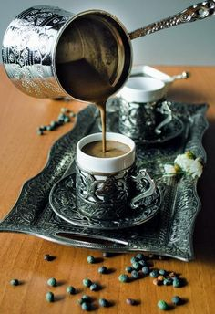 Turkish coffee - thicker, with cardamom and perhaps some other spices. Love this coffee 511580838899301867 Fresh Coffee, Hot Coffee, Coffee Time, Morning Coffee, Coffee Cups, Coffee Lab, Cappuccino Coffee, Coffee Tasting, Coffee Drinkers