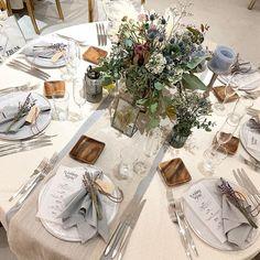 """WEDDING planning designerさんはInstagramを利用しています:「*START PACKING* ゲストのテーブルコーディネート。 """"もふもふ、ふわふわ""""にしたい!というご希望で ふんわりとガーゼ生地のランナーを重ね、 お花は横に広がるアレンジに。 ゲストのお皿にはラベンダーを添えて..♡ decoration designer…」 Wedding Arrangements, Wedding Table Settings, Table Arrangements, Long Table Decorations, Flower Decorations, Wedding Decorations, Burgundy And Grey Wedding, Table Centers, Be Natural"""