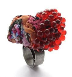 Ring | Doris Maniger. Tantalium, Textiles, Glass beads