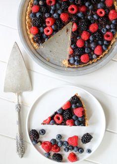 Paleo Chocolate Berry Tart recipe #food #paleo #glutenfree