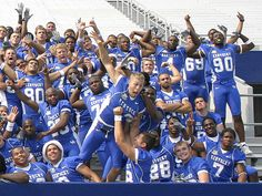 2007 Kentucky Wildcats Football Team--- Laughed for a while. Miss these boys.