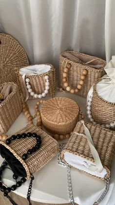 Crochet Bag Tutorials, Crochet Projects, Rope Crafts, Diy And Crafts, Diy Handbag, Jute Bags, Crochet Handbags, Beaded Bags, Summer Bags