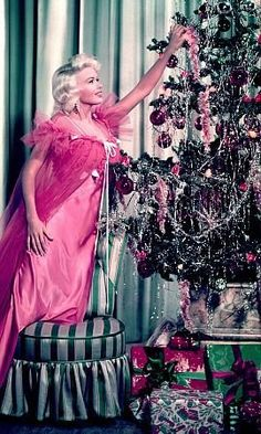 Jayne Mansfield c. 1960 vintage Hollywood Christmas photo