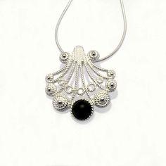 Joyeria-Jewelry Online JoyasdelCamino Artesania Camino Santiago. Colgante Vieira Peregrino Plata y Azabache The Way Crafts