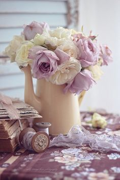 nelly vintage home: Pastel roses