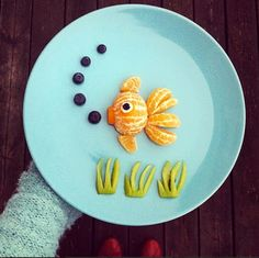 PARA NIÑOS - Con mandarina, arándanos y un poco de palta ... no es genial ???
