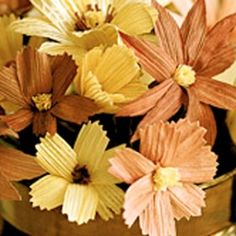 How to make Cornhusk Flowers - DIY Craft Project with instructions from Craftbits.com
