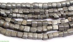 focus-damnit: etsy (via Ethiopian Aluminum Metal Cubed Trade Beads African) Head Jewelry, Jewelry Art, Antique Jewelry, Fashion Jewelry, Jewelry Design, Ethiopian Jewelry, Ethnic Jewelry, African Jewelry, African Trade Beads