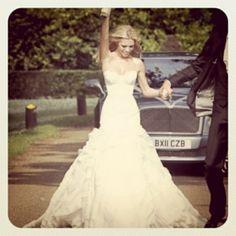 Cute photo idea and pretty dress