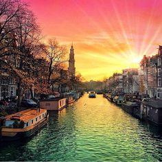"""Amsterdam by @kardinalmelon #teamtravelers #teamvl"""