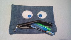 Monster pencil case from recycled jeans, felt and buttons.. with zipper.