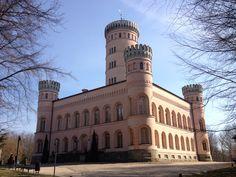 Jagdschloss Granitz auf Rügen Castle, Louvre, Building, Places, Travel, Germany, Beautiful Landscapes, Castles, Baltic Sea