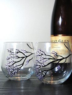 Cherry blossoms on stemless wine glasses