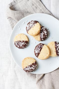 I'm super excited to be guest posting for Lark & Linen today and I've been waiting to share these delicious Toasted Coconut Ginger Shortbread with you! Teatime is a bit of a tradition in our ho...