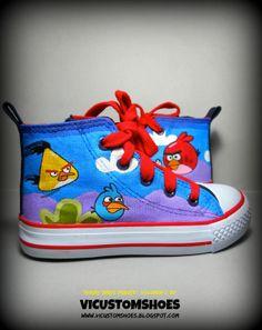 """Zapatillas tipo """"All-star"""" talla 25, tributo a la famosa serie de videojuegos """"Angry Birds"""", pintadas a mano y con pincel. Cara B"""