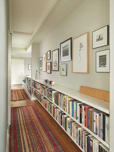 HINWEIS: Bücherregale in der 2. Etage von Rohleder Borges Architecture #architecture #borges #bucherregale #etage #hinweis #rohleder