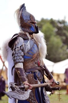 Great LARP outfit - White Lion Warhammer -- holy shit, people LARP warhammer?!?