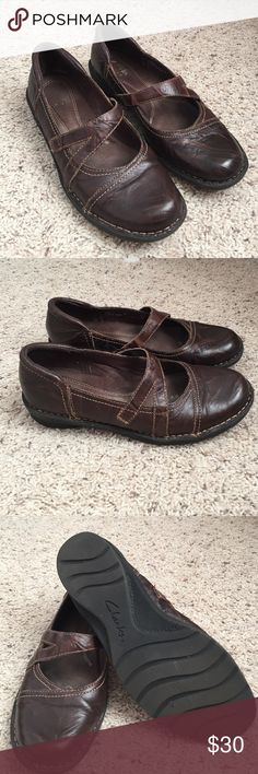 Clark's Brown Leather Flats Super comfortable! Brown leather - great for being on your feet all day. Clarks Shoes Flats & Loafers