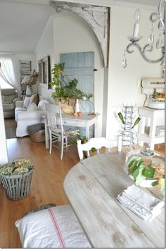 1000 ideas about french country farmhouse on pinterest for Country farmhouse blog