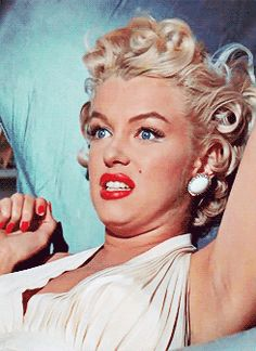 Celebs Discover Marilyn Monroe The Seven Year Itch 1955 Marilyn Monroe Cuadros Marilyn Monroe Movies Marilyn Monroe Photos Divas Classic Hollywood Old Hollywood Pin Up Cinema Tv Norma Jeane Marilyn Monroe Cuadros, Estilo Marilyn Monroe, Marilyn Monroe Fotos, Marilyn Monroe Movies, Golden Age Of Hollywood, Classic Hollywood, Old Hollywood, Pin Up, Divas