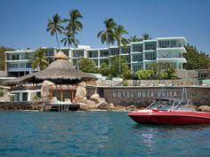 Luna de miel en la playa. Hotel Boca Chica, Acapulco, México.