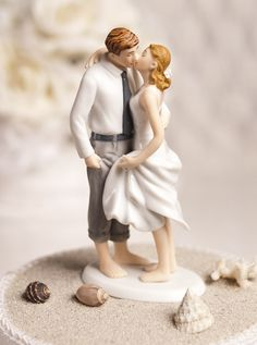 Roll up your those pant legs, lift the hem of that dress a little, and wade into the romance of this Getaway Beach Wedding Cake Topper! These beach wedding cake toppers colorfully showcase a pair of newlyweds savoring their first kiss Beach Cake Topper, Beach Wedding Cake Toppers, Funny Wedding Cakes, Themed Wedding Cakes, Wedding Topper, Wedding Humor, Themed Cakes, Dream Wedding, Wedding Day