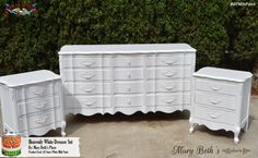 Mary Beth's Place, http://www.marybethsplaceca.blogspot.com/, chose GF Snow White Milk Paint for a classic neutral look.  General Finishes has 28 colors in our Milk Paint line.  We'd love to see your projects made with General Finishes products! Tag us with @GeneralFinishes and make sure to let us know which products you used! #generalfinishes #gfmilkpaint #paintedfurniture
