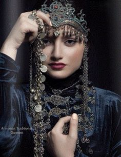 Armenian traditional jewelry