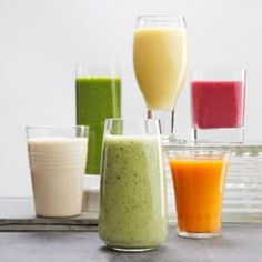 6 healthy ingredients to supercharge your smoothies: Green Tea Kefir Tofu Pomegranate Kombucha Flaxseed Super Healthy Recipes, Healthy Drinks, Healthy Cooking, Healthy Eating, Healthy Foods, Healthy Shakes, Cooking 101, Healthy Juices, Easy Recipes