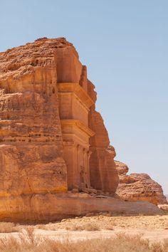 Qasr al-Farid est surnommé le chateau solitaire est planté au milieu du désert d'Arabie Saoudite dans le site archéologique Mada'in…
